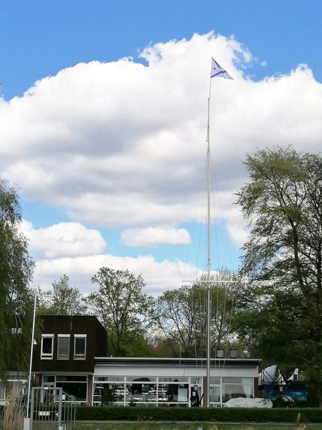 Ansegeln 2020 - Trotz Ruhe im Clubhaus, der Stander des SC Gothia weht im Wind - Photo © W. Klein 2020