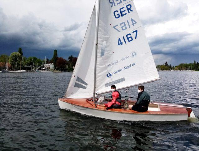 Emil und Darian im SCG Pirat auf der Scharfen Lanke - Photo © H. Erdmann